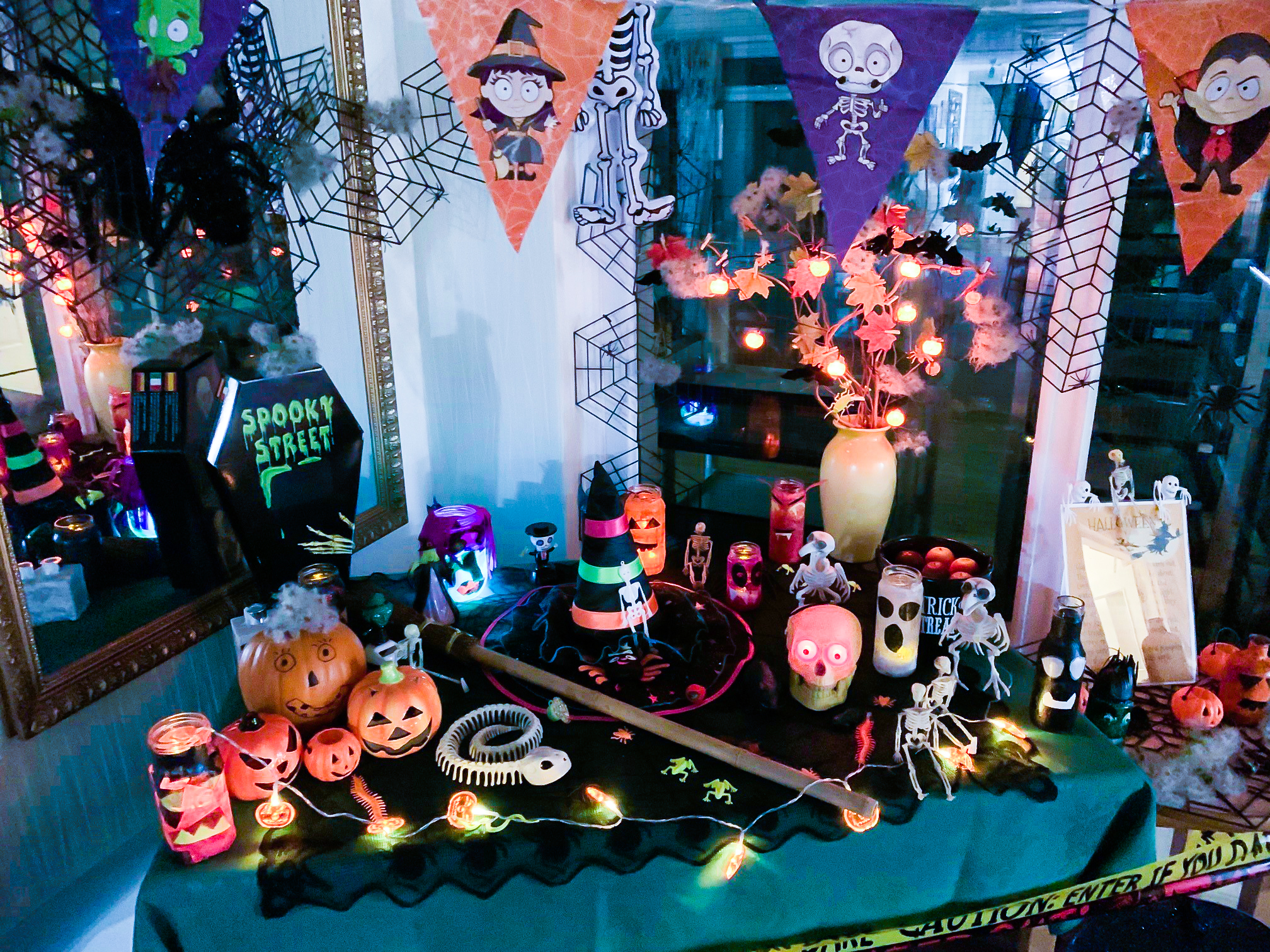 Perrins House halloween display table